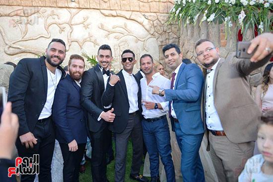 محمد رمضان يحتفل بحفل زفاف شقيقته (3)