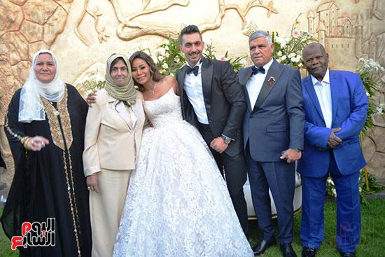 محمد رمضان يحتفل بحفل زفاف شقيقته (2)