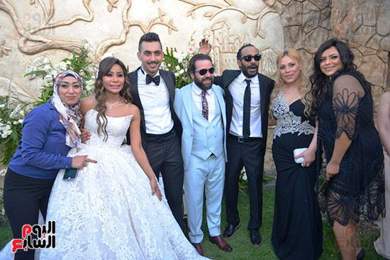 محمد رمضان يحتفل بحفل زفاف شقيقته (11)