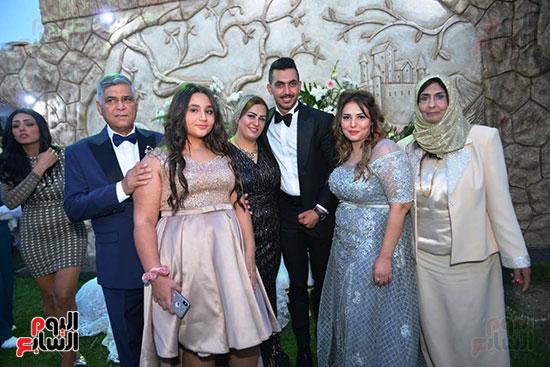محمد رمضان يحتفل بحفل زفاف شقيقته (34)