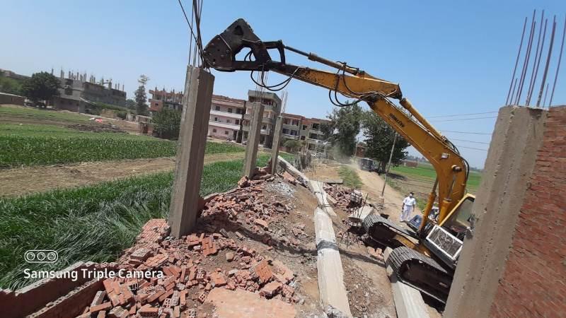 إزالة التعديات من على الأراضى الزراعية بالمنوفية (1)