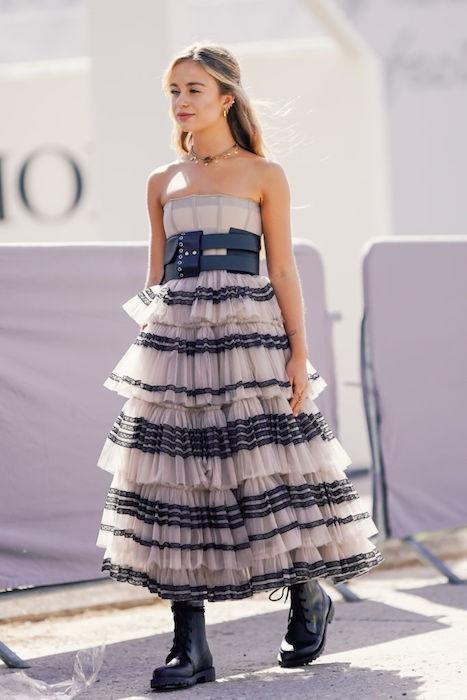 أميليا وندسور في فستان مزكرش من ديور