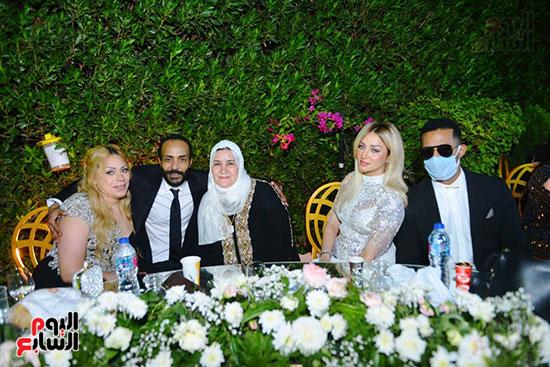 محمد رمضان يحتفل بحفل زفاف شقيقته (1)