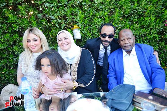 محمد رمضان يحتفل بحفل زفاف شقيقته (17)