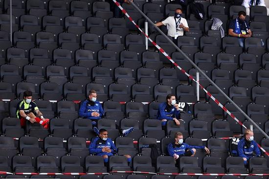 بوروسيا دورتموند يقسو على بادربون بسداسية في الدوري الالماني (4)