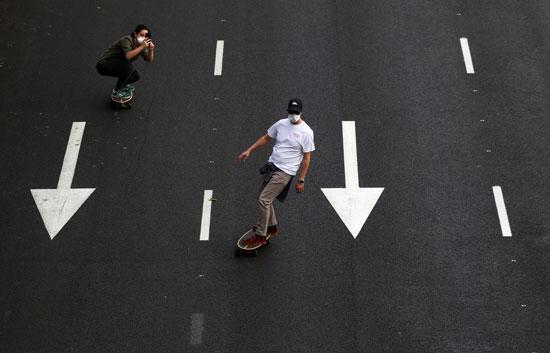 ممارسة الرياضات المختلفة بشوارع مدريد