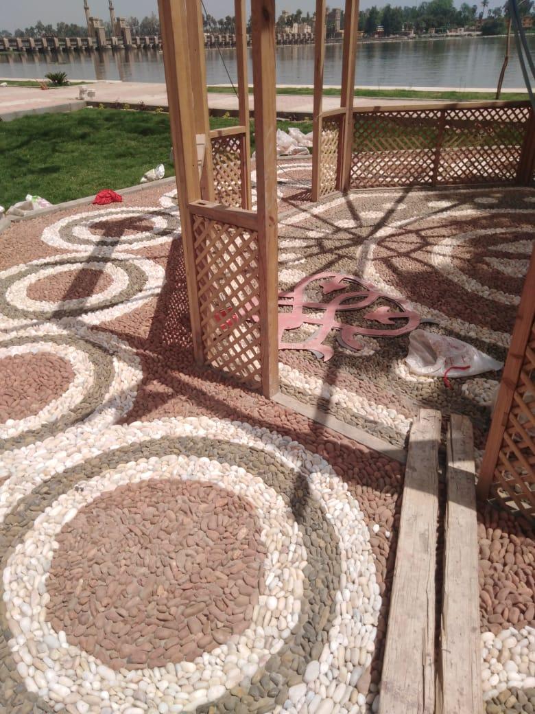 أرضيات زلطية بحدائق القناطر الخيرية