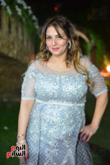 الدكتورة جيهان شقيقة العريس حسام حامد