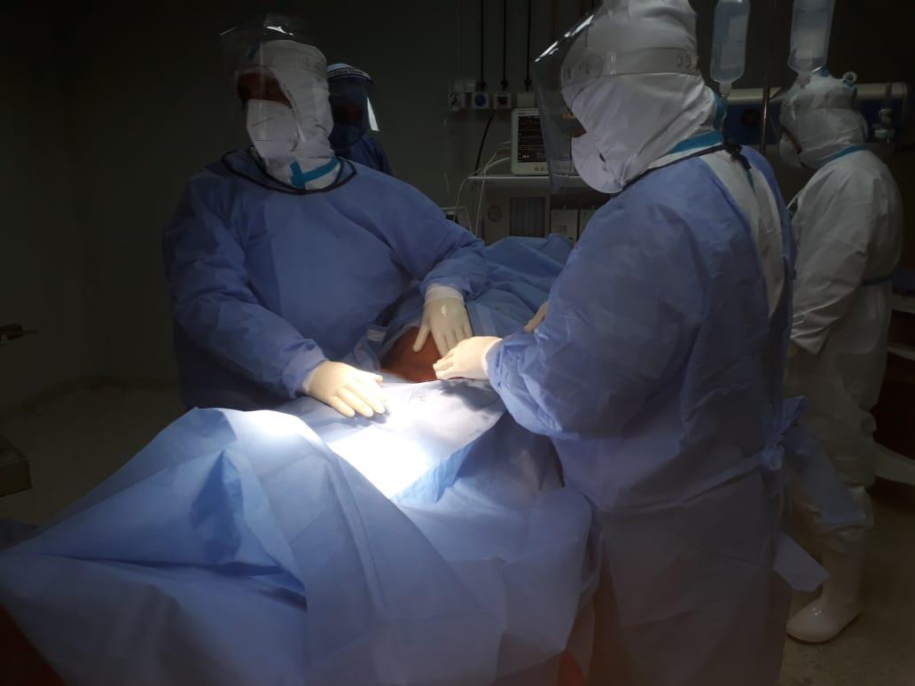 ولادتين قيصريتين لمصابتين بكورونا  (4)