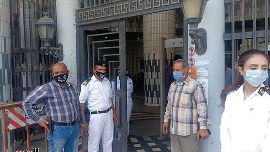 تشديدات وقائية داخل محكمة الإسكندرية  (1)