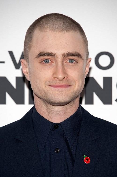 دانيال رادكليف بعد حلق شعره