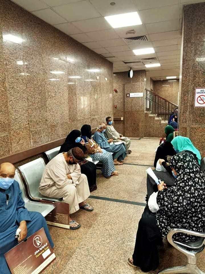 لحظات خروج المتعافين من المستشفى العام