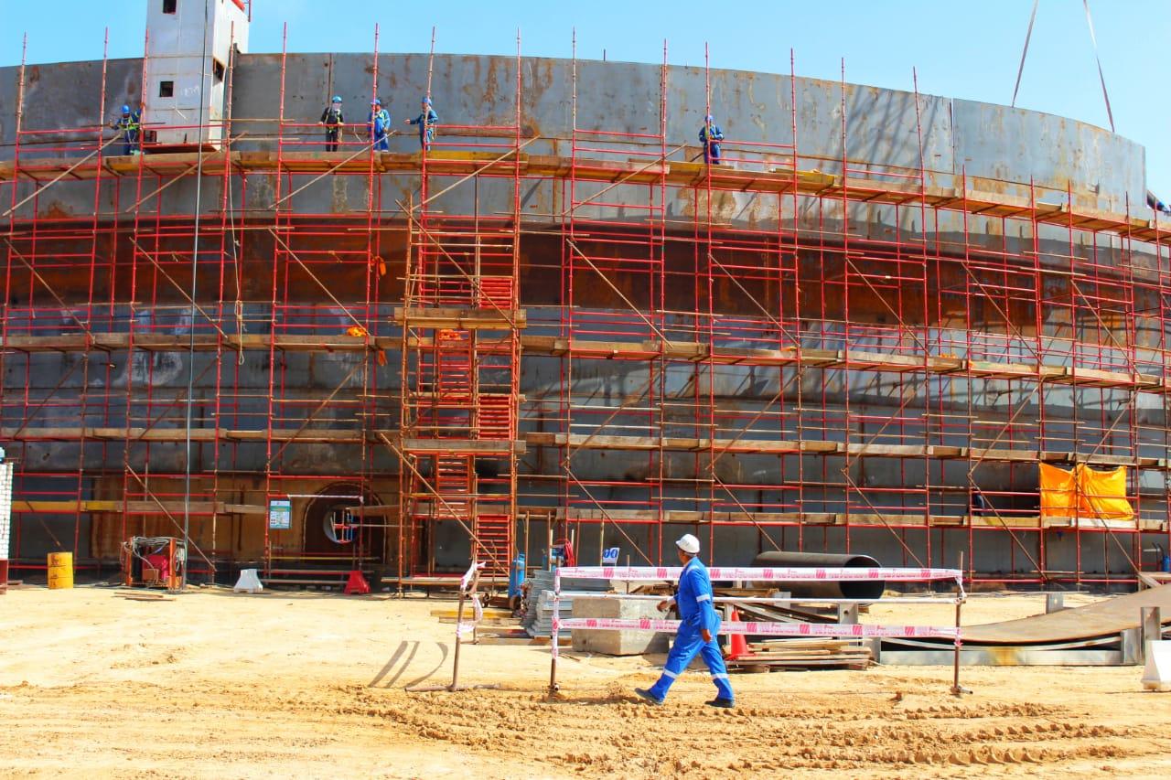 إنشاء مستودعات تخزين بميناء الحمراء البترولي