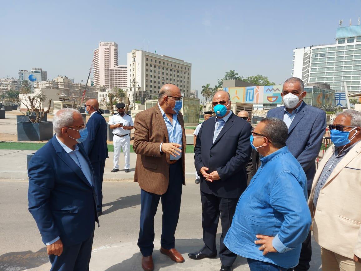 محافظ القاهرة يتفقد ميدانى التحرير ورمسيس (5)