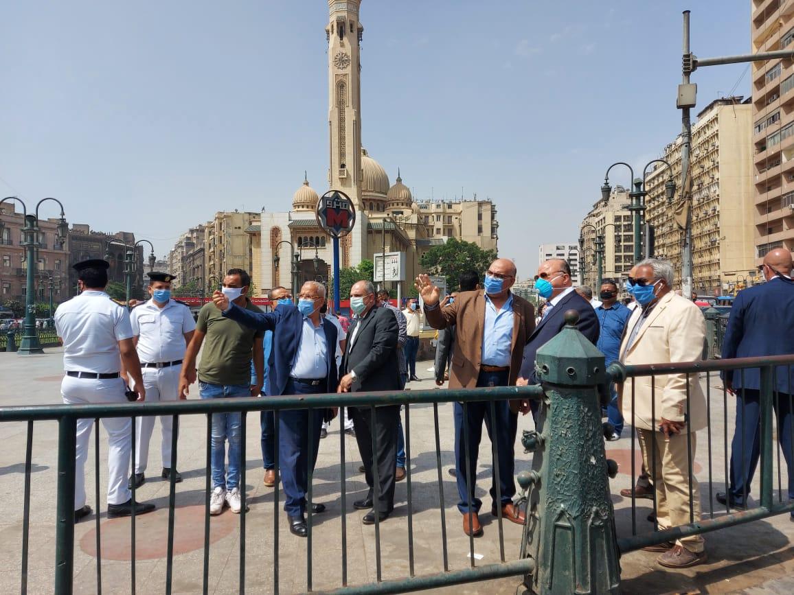 محافظ القاهرة يتفقد ميدانى التحرير ورمسيس (4)