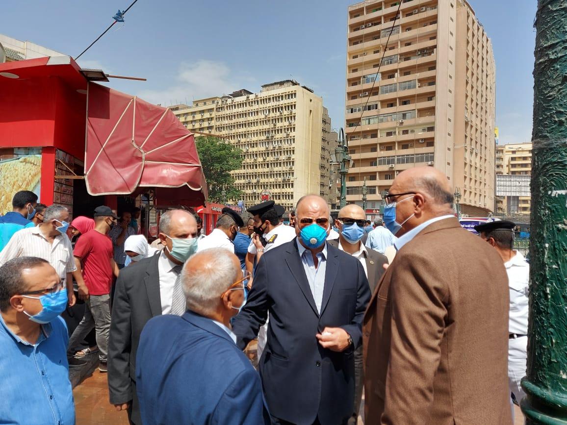 محافظ القاهرة يتفقد ميدانى التحرير ورمسيس (1)