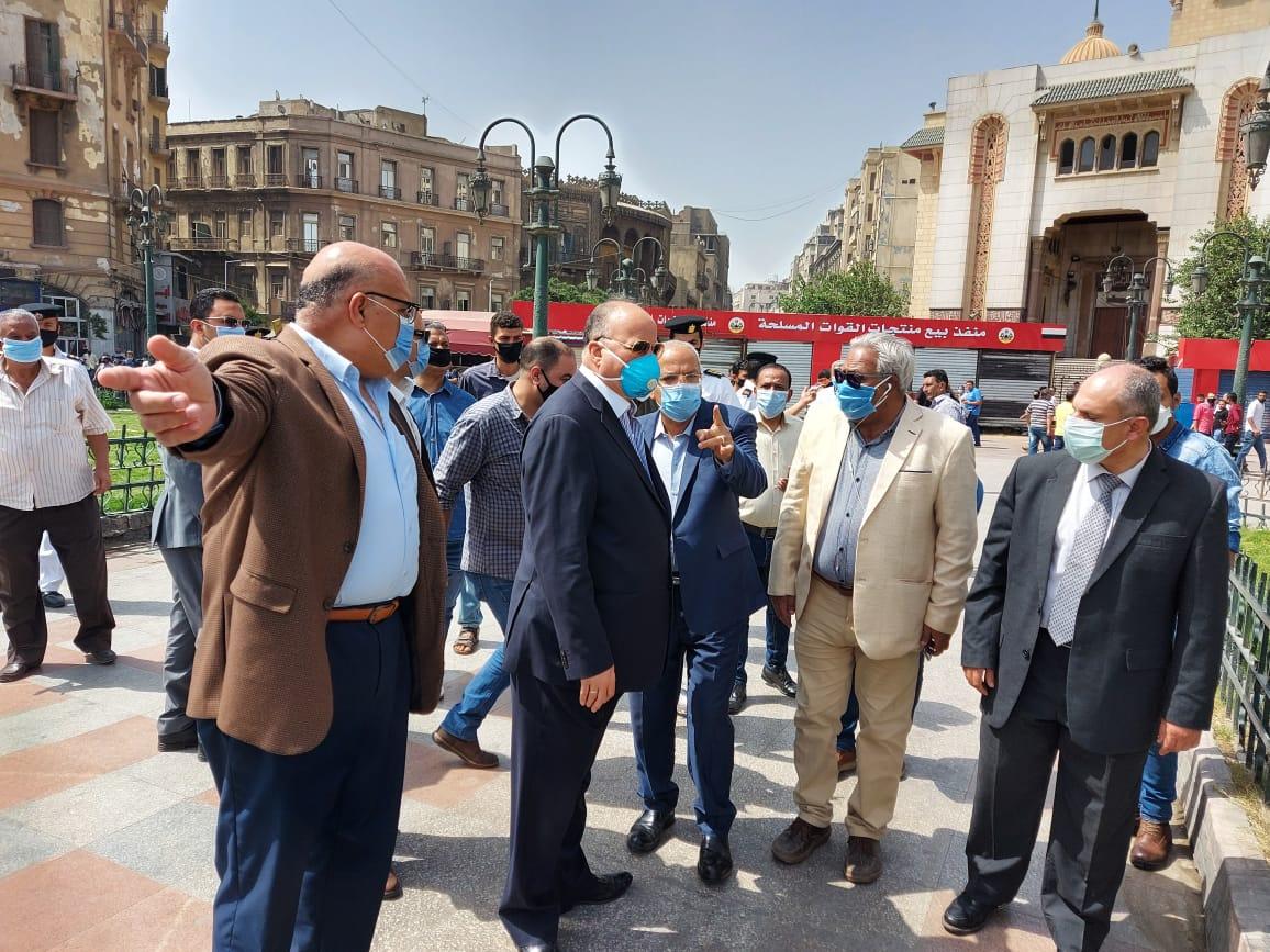 محافظ القاهرة يتفقد ميدانى التحرير ورمسيس (2)