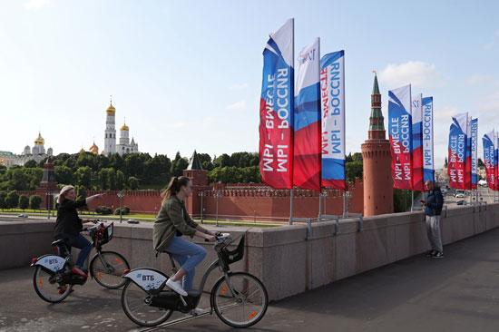 أعلام روسيا تزين موسكو خلال الاحتفالات
