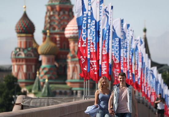 موسكو تتزين فى العيد الوطنى