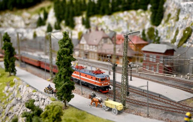 173-190749-croatia-zagreb-trains-16
