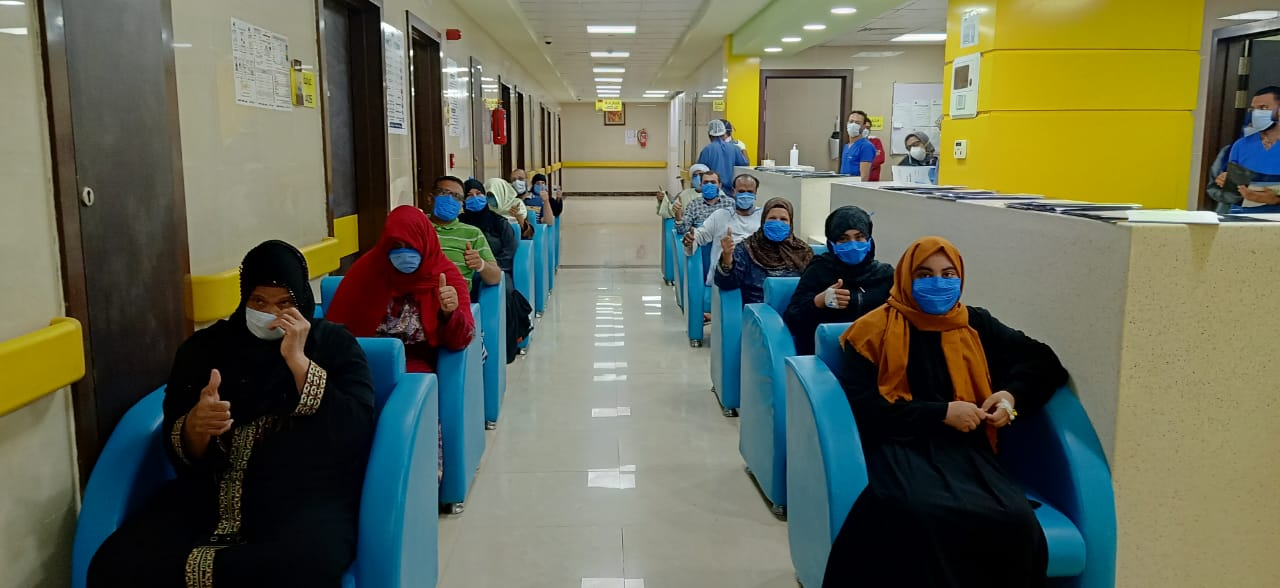 طابور من الشفاء بمستشفى اسنا