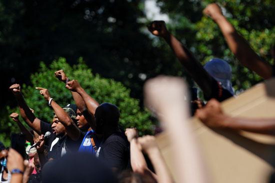 عنصرية الشرطة الأمريكية تجدد الاحتجاجات بأمريكا