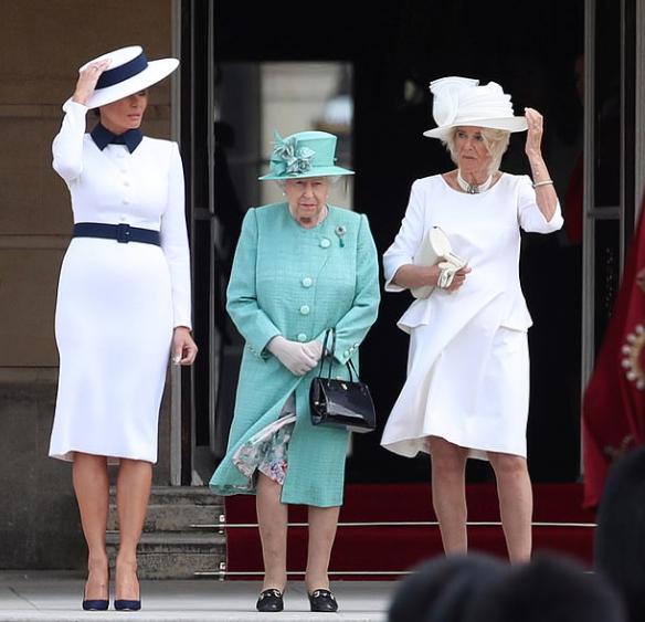 الملكة مع ميلانيا ترامب