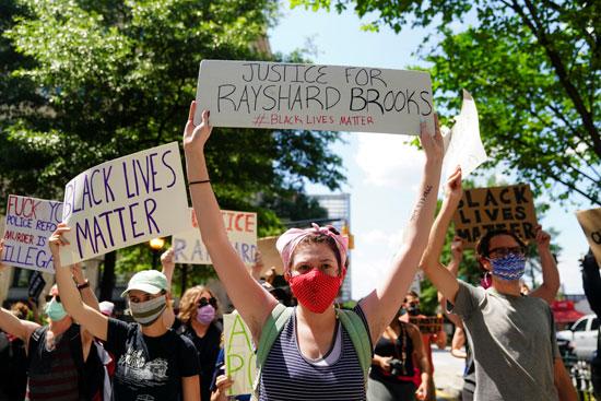 مظاهرات فى أتلانتا الأمريكية احتجاجا على مقتل رجل أسود