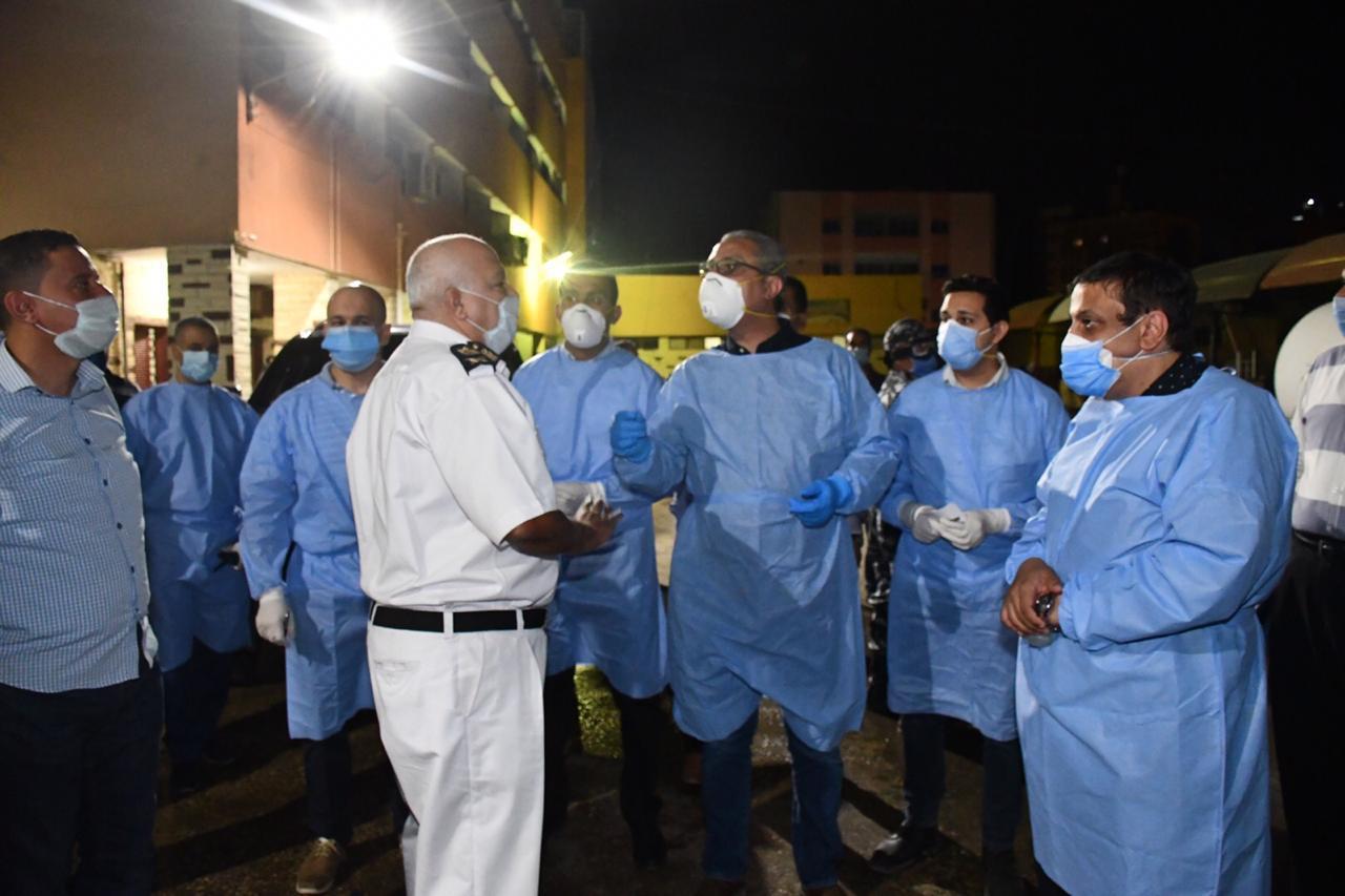 محافظ الفيوم يفاجئ المستشفى العام (3)