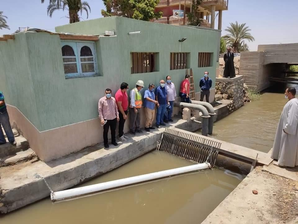 قياسات للتأكد من كفاءة احدى محطات رفع المياه بالفيوم (1)