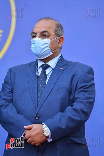 أشرف صبحى  خلال المؤتمر الصحفى (24)