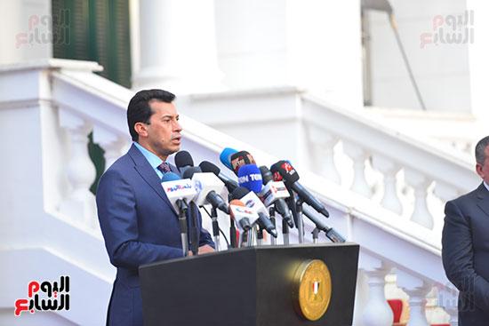 أشرف صبحى  خلال المؤتمر الصحفى (5)