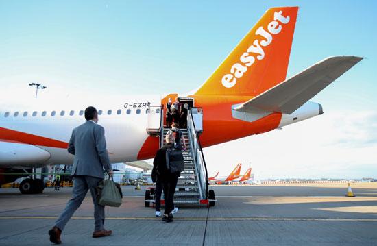 اسئناف حركة الطيران فى بريطانيا
