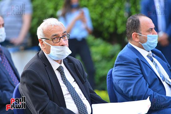 أشرف صبحى  خلال المؤتمر الصحفى (10)