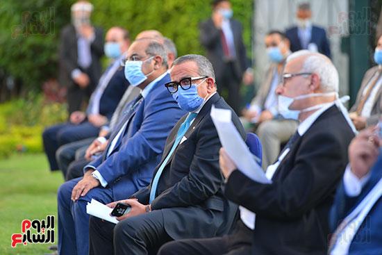 أشرف صبحى  خلال المؤتمر الصحفى (4)