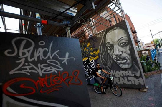 جداريات في تورونتو ضد العنصرية (8)