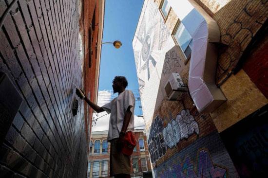 جداريات في تورونتو ضد العنصرية (7)