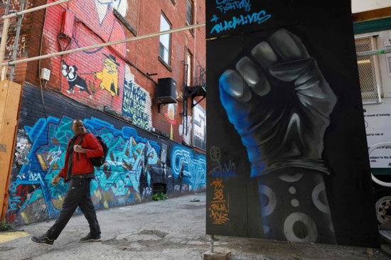 جداريات في تورونتو ضد العنصرية (12)