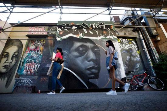 جداريات في تورونتو ضد العنصرية (13)