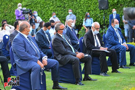 أشرف صبحى  خلال المؤتمر الصحفى (13)