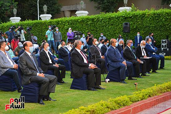 أشرف صبحى  خلال المؤتمر الصحفى (2)