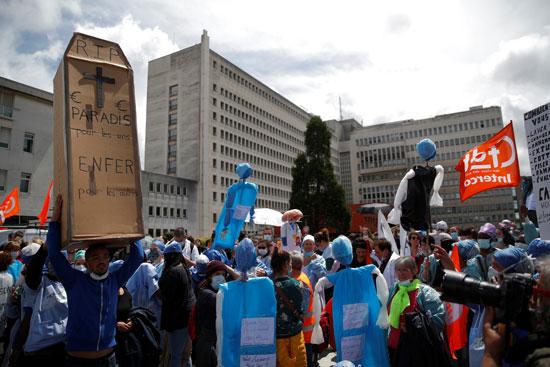 جانب من الوقفة الاحتجاجية للمطالبة بتحسين الأجور