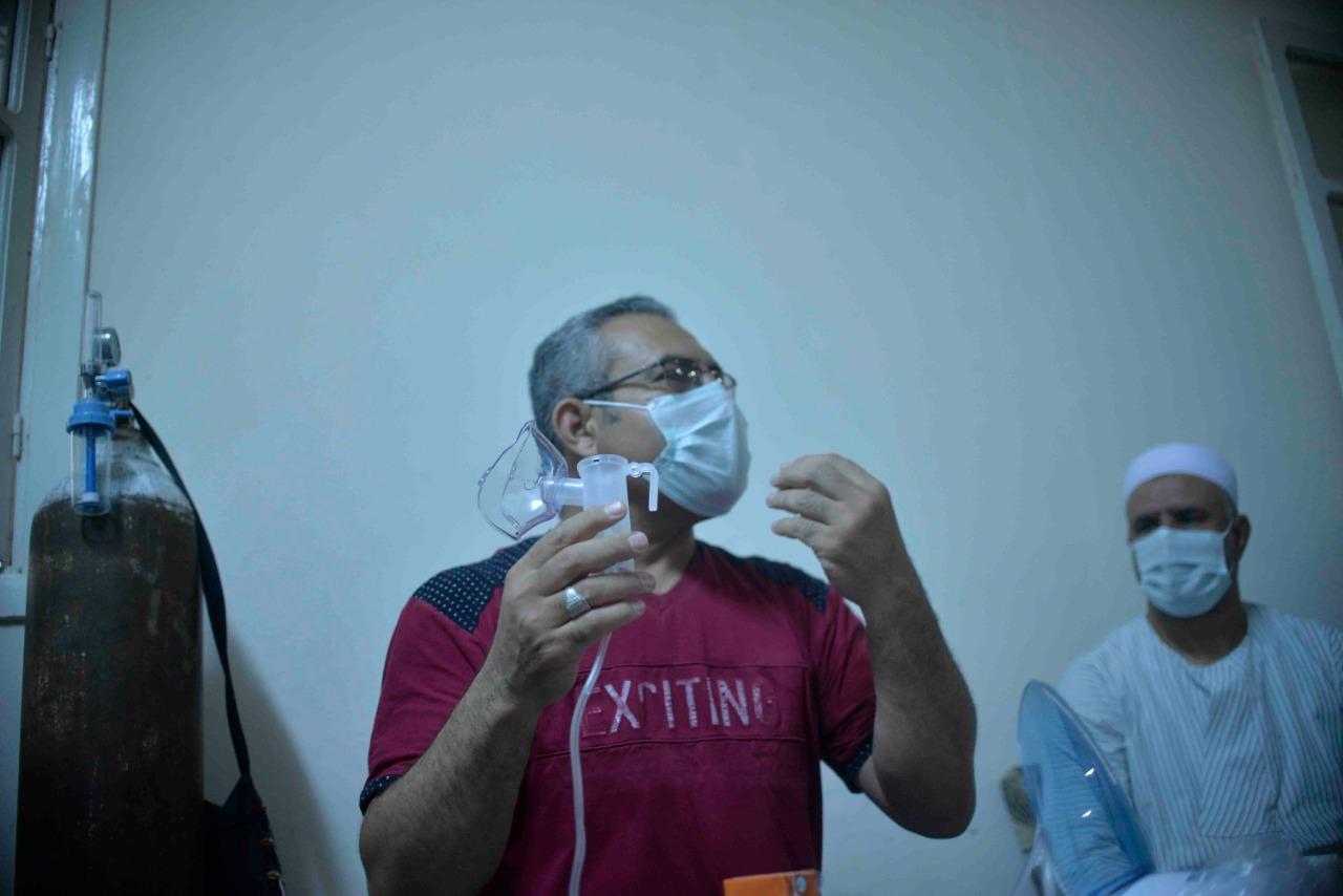 دورة تدريبية بقرية طفنيس للمتطوعين وطلبة الطب لمتابعة حالات العزل المنزلى  (4)