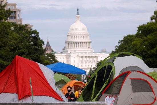 متظاهرون بالقرب من البيت الأبيض