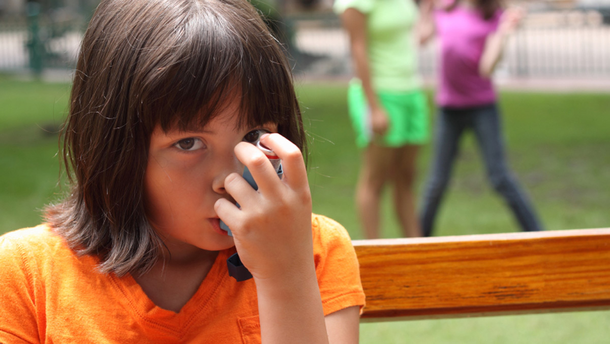Girl-with-asthma_1200x678