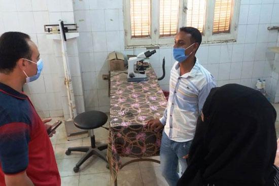 وكيل صحة سوهاج يتفقد مستشفى العسيرات  (5)