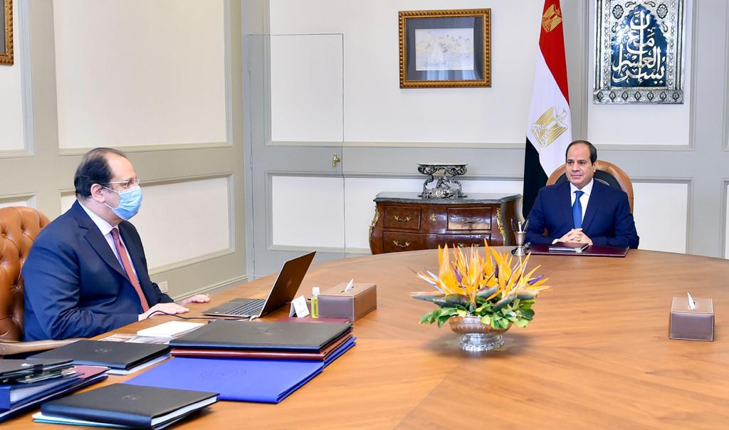 الرئيس السيسي واللواء عباس كامل رئيس المخابرات العامة