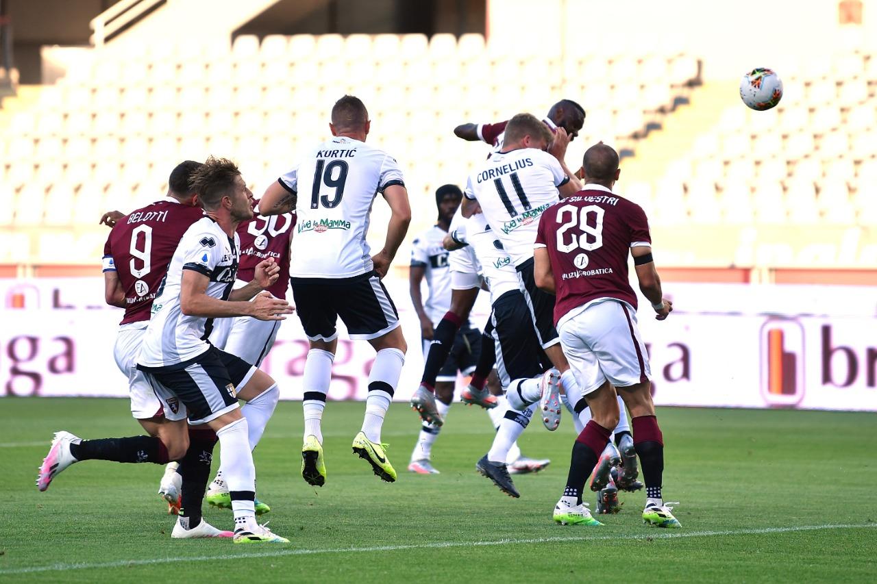 مباراة تورينو وبارما فى الدوري الايطالي (1)