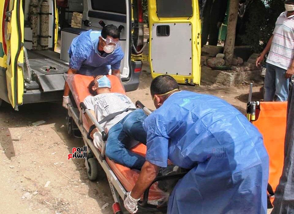 نقل طالب لمستشفى العزل للاشتباه فى إصابته بكورونا (3)
