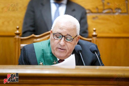 رئيس المحكمة أثناء قراءة منطوق الحكم